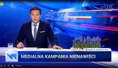 Wiadomości TVP o Jarosławie Kaczyńskim na cmentarzu powązkowskim