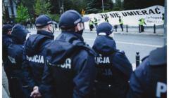 "Policja pod Sejmem podczas akcji ""List"""