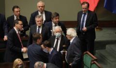 Politycy i rząd PiS zdecydowali - wybory 10 maja się nie odbędą
