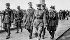 Józef Piłsudski w trakcie zamachu Majowego. Biografia Piłsudskiego została przekłamana przez PiS i IPN