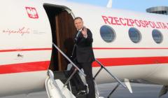 Andrzej Duda wsiada do samolotu