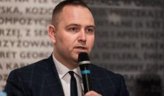 Karol Nawrocki zastrasza historyka za krytykę Muzeum II Wojny