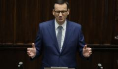 mateusz morawiecki w trakcie debaty przed głosowaniem nad wotum zaufania dla rządu