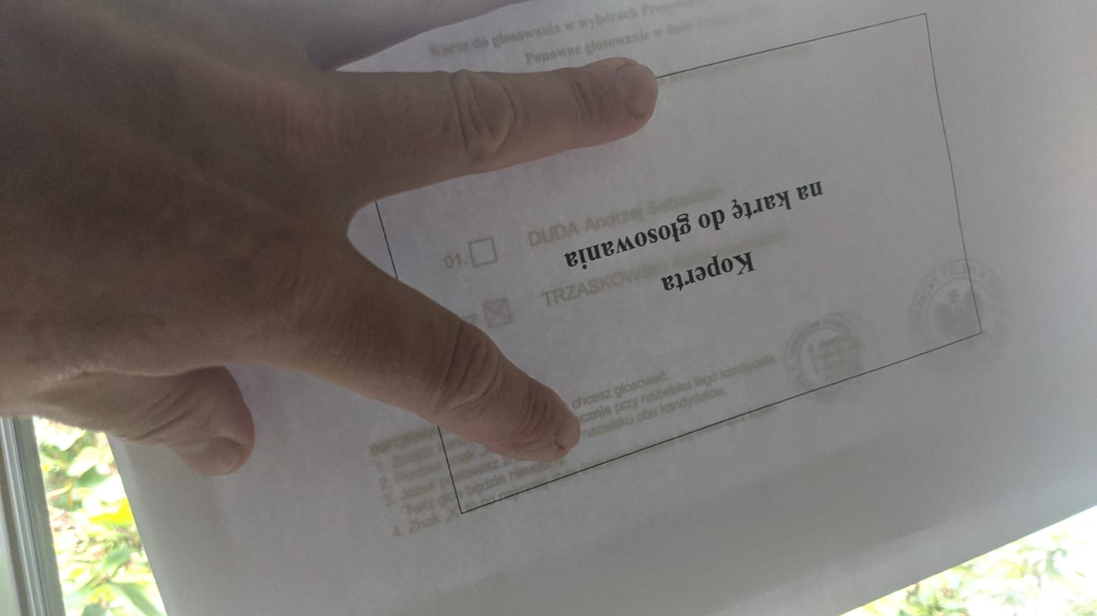 przezroczysta koperta na kartę do głosowania