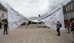 Protest ruchu Obywatele RP przed Palacem Prezydenckim w Warszawie. Fot. Jacek Marczewski / Agencja Gazeta