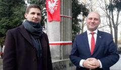 Szymon Szynkowski i Jan Zujewicz - beneficjenci dotacji z niw