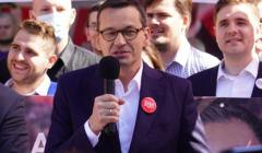 Morawiecki obiecuje Fundusz Patriotyczny