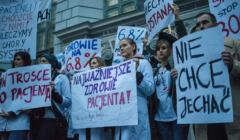 Demonstracja osób wykonujących zawody medyczne