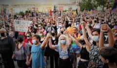 tęczowy protest w Warszawie