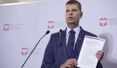 Minister Dariusz Piontkowski przyznał, że podwyżki dla nauczycieli być może będą zamrożone