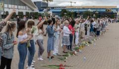 Pokojowy protest kobiet przeciwko przemocy rezimu bialoruskiego