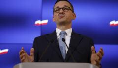 Premier Mateusz Morawiecki zapowiedział zwolnienia w budżetówce