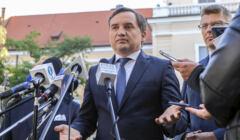 Minister Sprawiedliwości Zbigniew Ziobro twierdzi, że osoby LGBT mają w Polsce pełnię praw