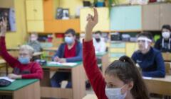 Powrót dzieci do szkół 18 stycznia wciąż nie jest pewny
