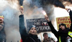 czarny protest - kobiety protestują przeciwko zaostrzeniu ustawy antyaborcyjnej