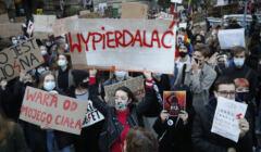 Protest '' Idziemy na Spacer '' Strajku Kobiet w Warszawie