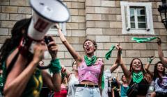 Argentynki w zielonych chustach protestujące za legalną aborcją