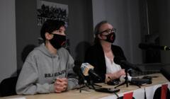 Marta Lempart i Klementyna Suchanow ogłaszają nowe postulaty Strajku Kobiet