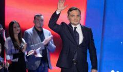 Zbigniew Ziobro na scenie podczas konwencji partyjnej