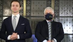 Robert Gwiazdowski i Krzysztof Bosak na konferencji prasowej dot. wyboru RPO
