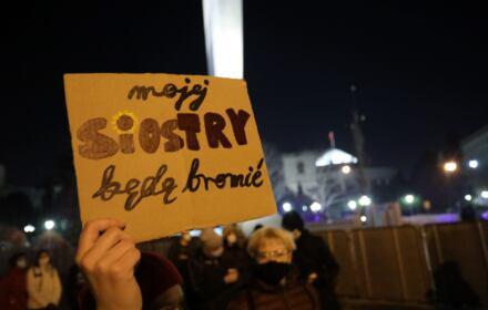 Kobiety protestują i pytają, gdzie dokonać aborcji