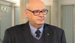 Piotr Zgorzelski w holu Sejumu
