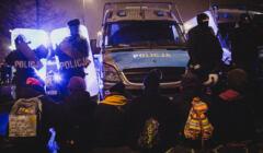 Policja i aktywiści podczas protesty