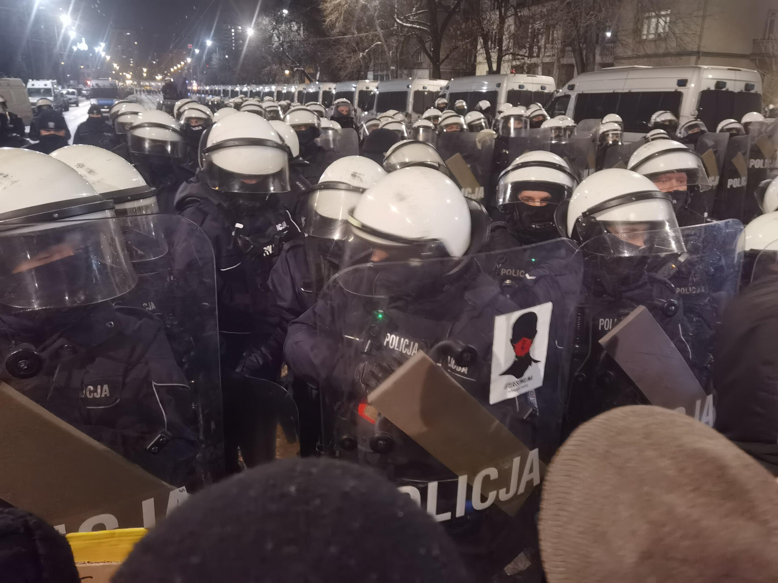 Policja w okolicy domu Jaroslawa Kaczynskiego, 29 stycznia 2021. Fot. Robert Jurszo