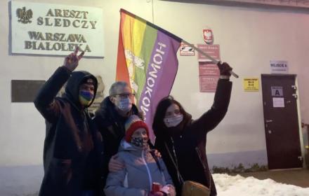 Uczestnik Strajku Kobiet zatrzymany na dwie doby. Oto jego rady dla protestujących