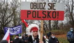 Marsz '' Wypuscic Polaków z kwarantanny '' w Warszawie