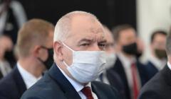 Jacek Sasin w maseczce