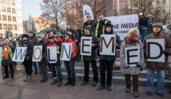 Demonstracja KOD-u we Wrocławiu w obronie wolnych mediów