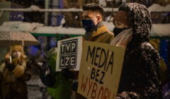 Protest pod siedziba TVP w Gdansku