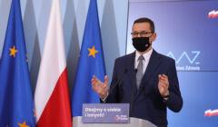 Premier Mateusz Morawiecki na konferencji prasowej. Rząd planuje warunkowe otwarcie kin i hoteli od 12 lutego.
