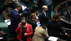 Politycy opozycji w ławach sejmowych