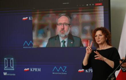 Konferencja prasowa ministra zdrowia Adama Niedzielskiego w Warszawie