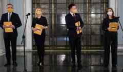 Od lewej: Michal Kobosko , Hanna Gil Piatek , Szymon Holownia , Joanna Mucha podczas konferencji prasowej ruchu Polska 2050 w sprawie przejscia Joanny Muchy do ruchu Szymona Holowni