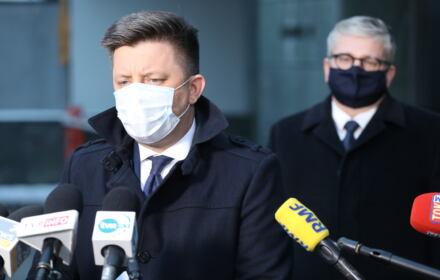 Michał Dworczyk na konferencji prasowej