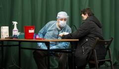szczepienie w hali sportowej w Siemiatyczach