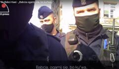 Policjant z maską na twarzy mówi