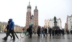 Zaszczep się na majówkę – kolejka w Krakowie