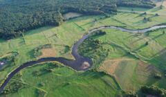Rzeka_Pisa_-_okolice_wsi_Rudka_Skroda_i_Dobrego_Lasu_-_panoramio (1)