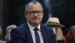 Uliczna opozycja w Warszawie dziekuje rzecznikowi praw obywatelskich Adamowi Bodnarowi