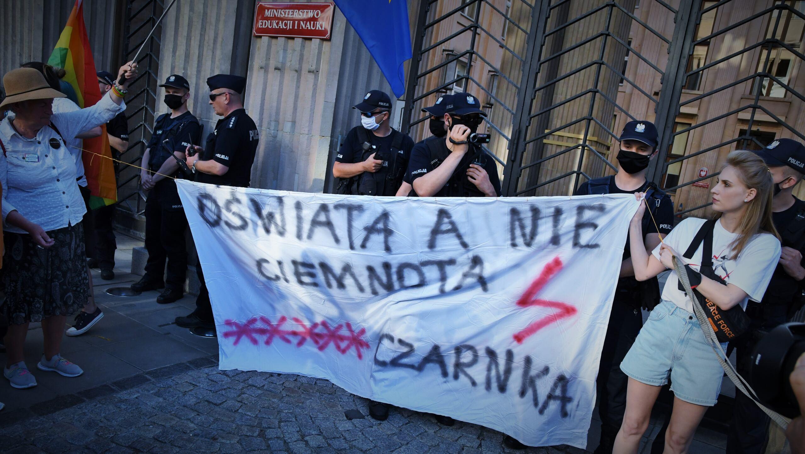 Protest przeciwko reformom Czarnka