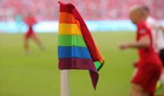 Tęczowa flaga na stadionie w Monachium