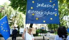 Rozprawa w Trybunale Konstytucyjnym w Warszawie o zgodnosci prawa unijnego z konstytucja