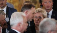 Julia Przyłębsja rozmawia z prezydentem Andrzejem Dudą