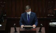 Michał Dworczyk podczas sejmowej debaty nad wotum nieufności dla siebie, czerwiec 2021