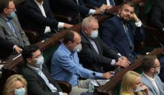 Paweł Kukiz podczas głosowania nad lex TVN w Se