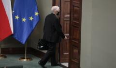 głosowanie nad lex TVN, Jarosław Kaczyński wychodzi z Sejmu